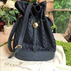 😍Authentic GUCCI Vintage Navy Logo Bucket Bag 😍